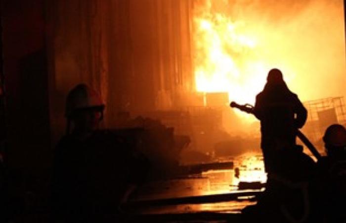 السيطرة على حريق حفار بترول أبورديس وإخلاء العاملين عليه إلى البر