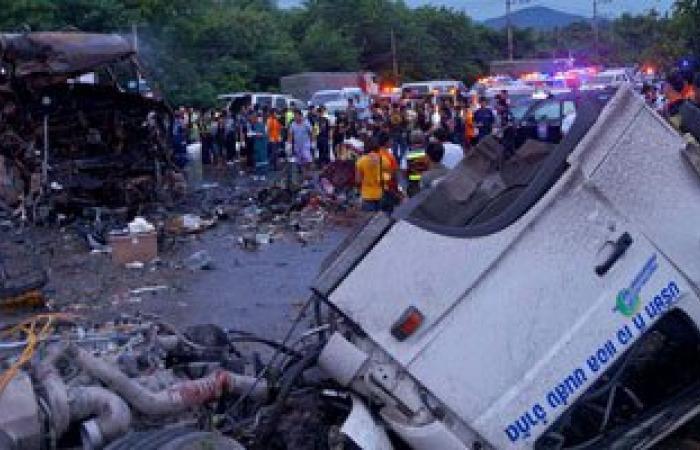 مصرع 11 شخصا وإصابة 36 جراء سقوط حافلة فى بحيرة وسط فنزويلا