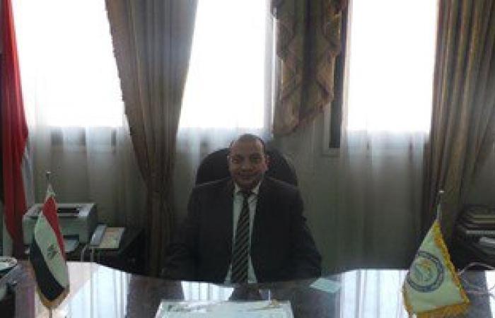 عميد طب بنى سويف يشكل لجنة لمراجعة مكافآت الإداريين تحقيقاً للعدالة