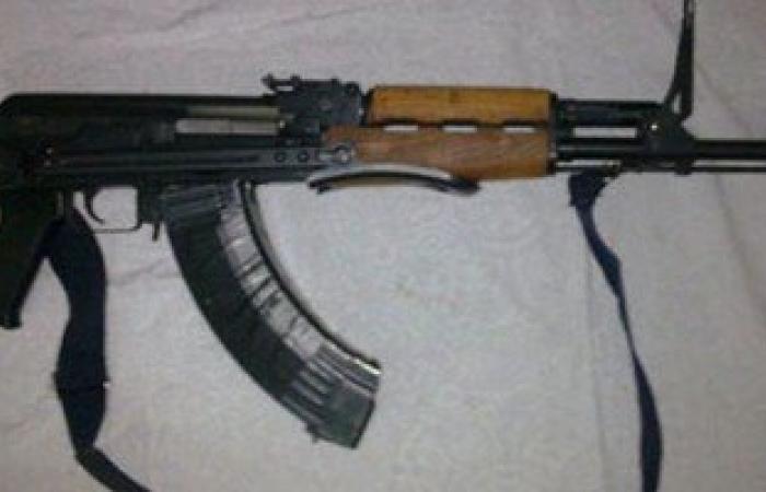 ضبط بندقيتين آليتين و8 خوز إسرائيلية بوسط سيناء
