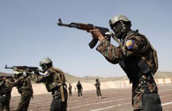 العربية: تمرد فى معسكر القوات اليمنية الخاصة بتعز
