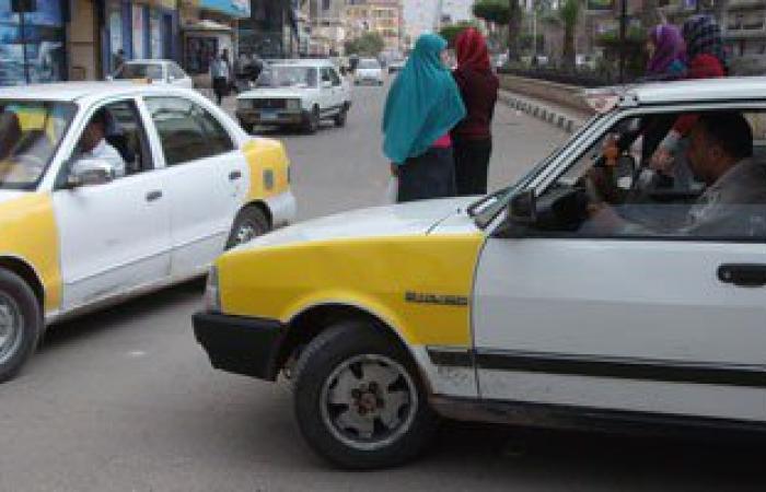 """ربة منزل تلد فى تاكسى أمام مستشفى استقبال """"دسوق"""""""
