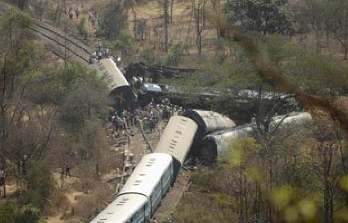 مصرع 14 مهاجرا صدمهم قطار قرب مدينة فيليس بمقدونيا
