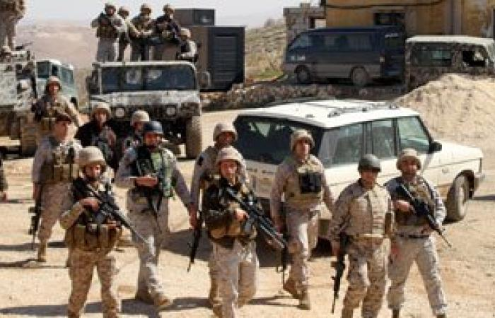 الجيش اللبنانى يقبض على 8 مسلحين مطلوبين بينهم جندى منشق