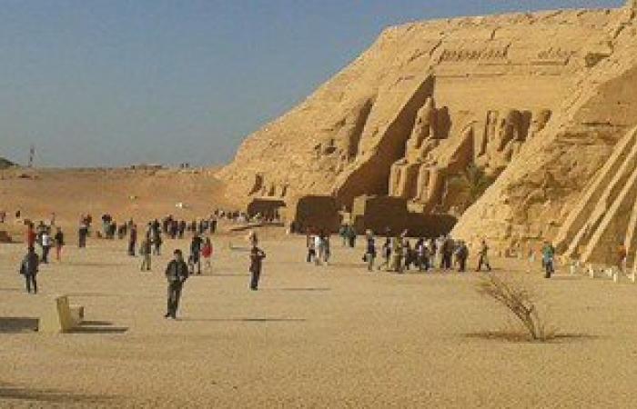 معبد أبو سمبل فى أسوان يستقبل 320 سائحا من جنسيات مختلفة