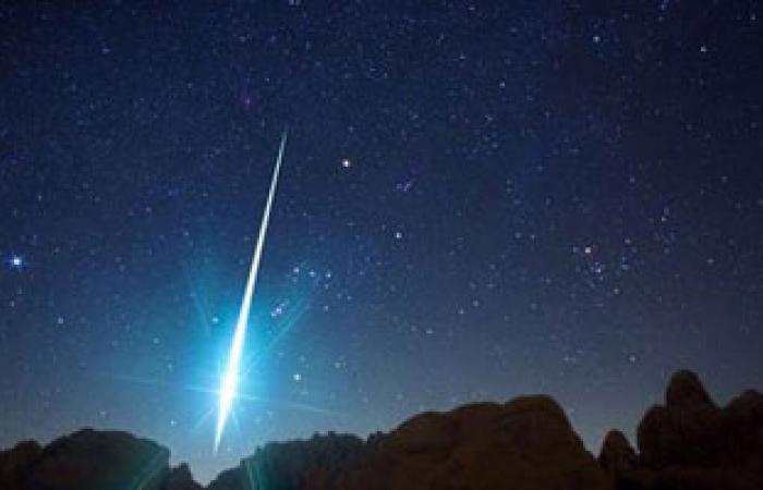 """""""العلوم الفلكية"""": شهب """"القيثارة"""" تتوقف اليوم عن التساقط على الأرض"""