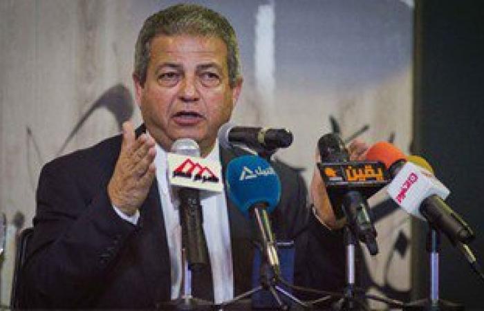 بدء الاحتفالات بعيد تحرير سيناء فى إستاد القاهرة بإطلاق الألعاب النارية