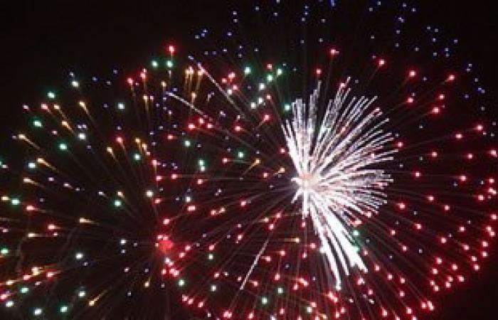 وزارة الدفاع تطلق الألعاب النارية فى الاحتفال بتحرير سيناء باستاد القاهرة