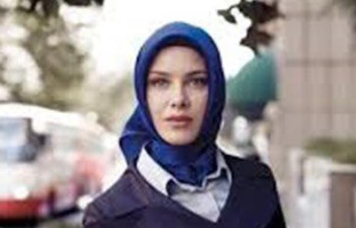 منع طالبة مسلمة من دخول فصلها بمدرسة فرنسية لارتدائها تنورة طويلة