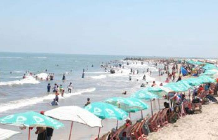 """""""السياحة والمصايف"""" بالإسكندرية: 5 شواطئ مجانية و35 مميزة هذا العام"""
