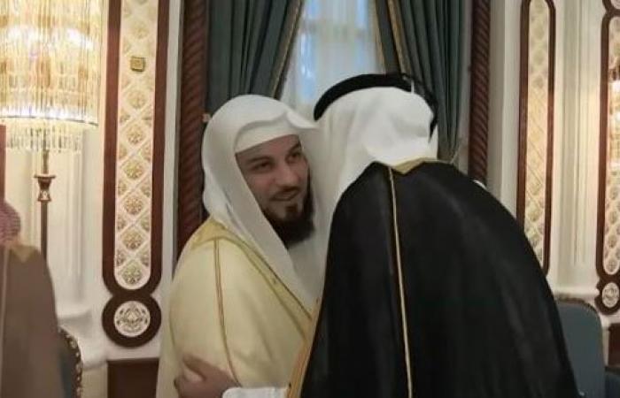 بالصور.. أمير قطر يجمع القرضاوى والعريفى والقرنى على مأدبة إفطار