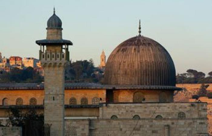 إسرائيل تلغى التصاريح الممنوحة لسكان غزة لصلاة الجمعة بالمسجد الأقصى