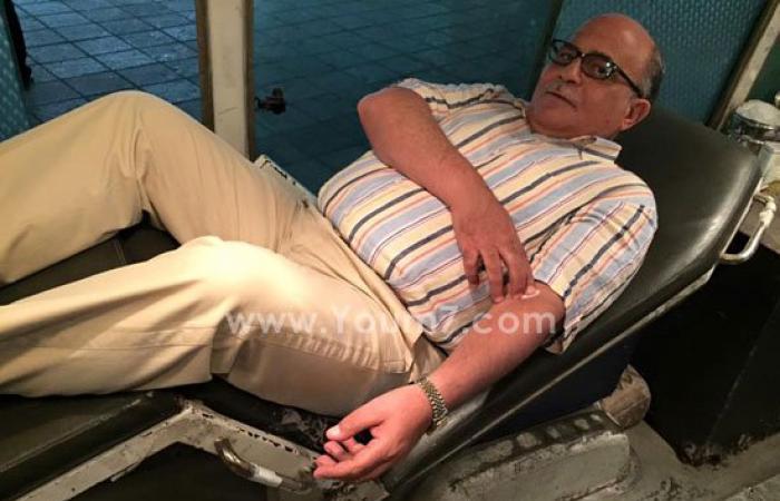 بالصور.. محافظ الإسكندرية يقود حملة للتبرع بالدم لمصابى أحداث سيناء