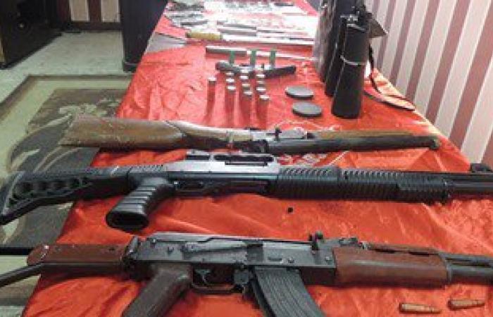 القبض على 3 عاطلين بحوذتهم أسلحة نارية غير مرخصة فى بنى سويف
