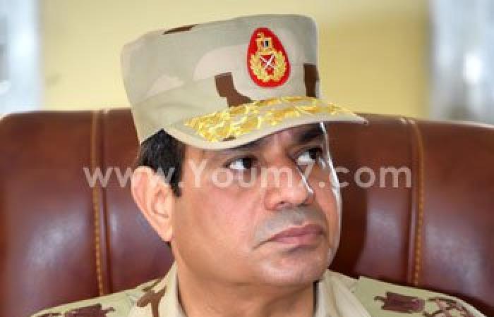 """""""الرئيس القائد الأعلى للقوات المسلحة"""" على """"بدلة"""" السيسى العسكرية"""