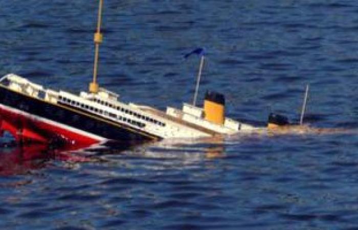 """القوات البحرية تنقذ طاقم السفينة """"طابا"""" الغارقة بالقرب من سفاجا"""