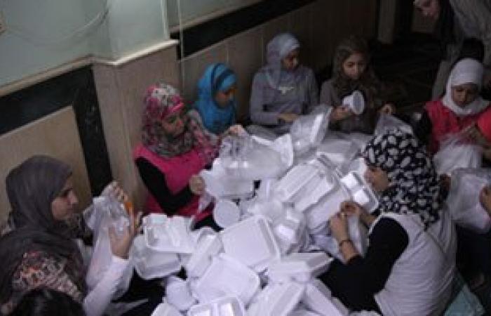 """""""مصر الخير"""" توزع 500 وجبة إفطار لعدد من الأسر الفقيرة بمحافظة الأقصر"""