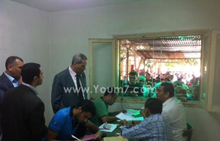 نائب رئيس جامعة المنصورة يتفقد سحب أوراق الاختبارات الشخصية بمكتب التنسيق