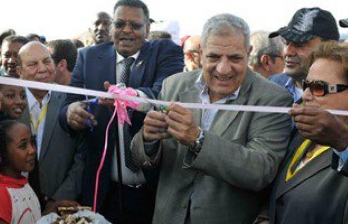 محلب: الدولة تساعد أصحاب المشروعات الصغيرة والحرف اليدوية لفتح أسواق