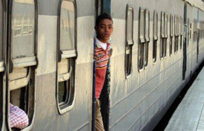 """عودة حركة القطارات بسوهاج بعد فحص """"جسم غريب"""" بمحطة """"طهطا"""""""