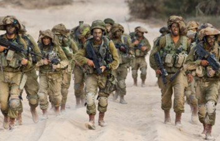 قوات إسرائيلية تعتقل 15 فلسطينيا من الضفة الغربية