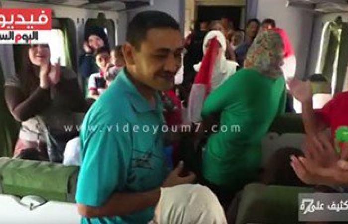 بالفيديو.. إقبال كثيف على قطار المفاجآت للاحتفال بافتتاح قناة السويس الجديدة