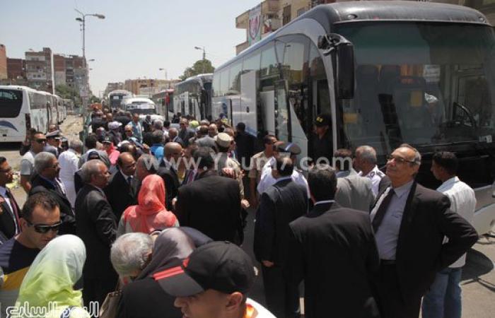 بالصور..بدء تحرك حافلات ضيوف حفل افتتاح قناة السويس إلى موقع الاحتفال