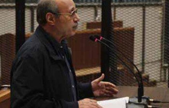 """محامى العادلى: موكلى لم يخطر حتى الآن بأمر إحالته بقضية """"فساد الداخلية"""""""
