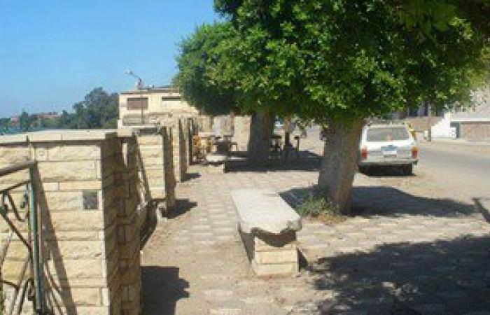 محافظ دمياط يأمر بشن حملة نظافة مكبرة بمنطقة كورنيش النيل فى الزرقا