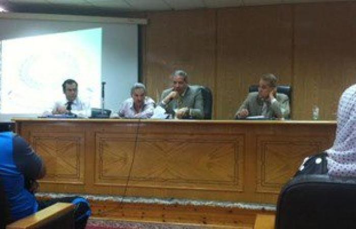 نائب رئيس جامعة المنصورة يناقش الاستعدادات للعام الدراسى الجديد