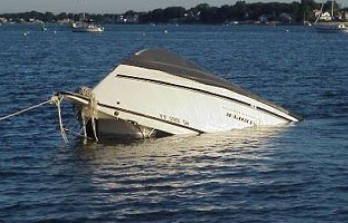 القبض على 3 ليبيين عقب مأساة غرق سفينة مهاجرين الأسبوع الماضى
