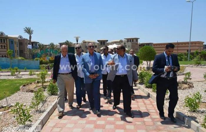 """بالصور.. وزير السياحة يفتتح فندق """"ريحانة"""" بمرسى علم ويلتقى المستثمرين"""