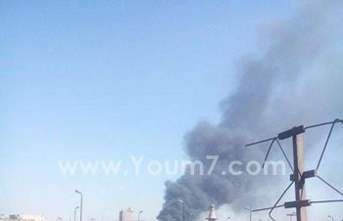بالصور.. حريق هائل بمصنع للبلاستيك بمنطقة المنشية الجديدة بشبرا الخيمة