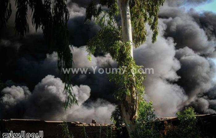 إصابة 4 من قوات الحماية المدنية بحالات اختناق بحريق شبرا