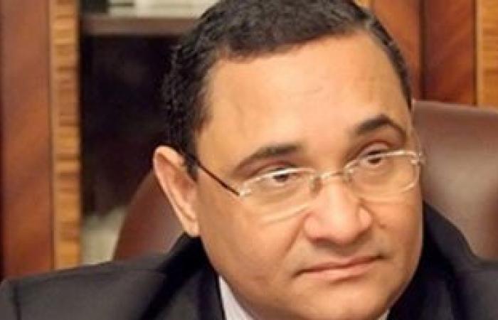 عبد الرحيم على ينيب موكلاً للتقدم بأوراق ترشحه للانتخابات