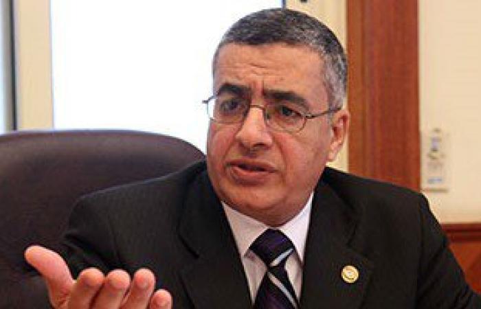 محافظ السويس: علاج عمال شركة مصر إيران بالتأمين الصحى