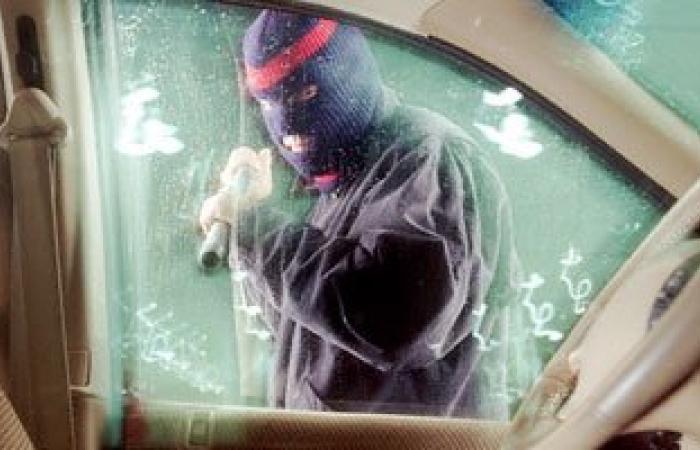 حبس تشكيل عصابى تخصص فى سرقة السيارات بالصف