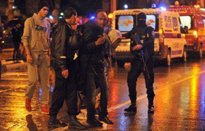 """بالفيديو..المشاهد الأولى عقب انفجار حافلة أمن """"الرئاسة"""" التونسية"""