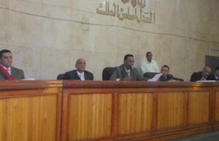 إعادة محاكمة 27 إخوانيا اليوم بتهمة باقتحام مبنى محافظة سوهاج