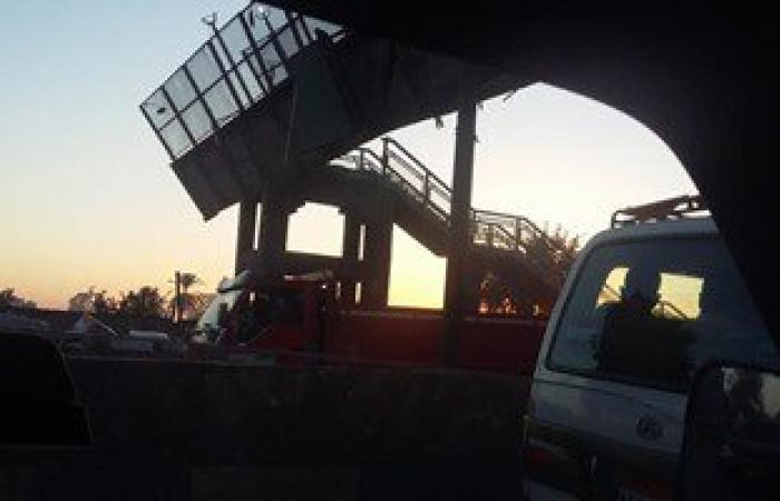 """""""النقل"""" ترسل فريق طوارئ لكوبرى مشاة قليوب وتحويلات مرورية بطريق الإسكندرية"""