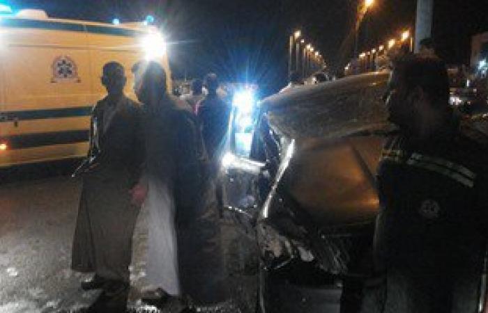 """إصابة 5 مواطنين فى تصادم سيارتين أمام هايبر """"العاشر من رمضان"""""""