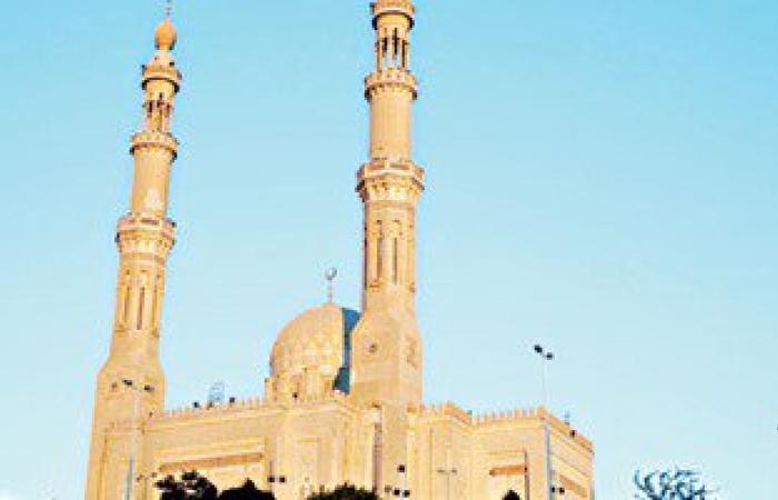 نقل إمام مسجد دمنهور والعاملين به بعد استغلاله فى أعمال منافية للآداب