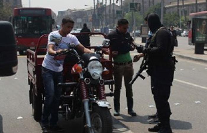 حبس عاطل صفع رجل مرور ببولاق أبو العلا لإيقافه قبل كسر الإشارة