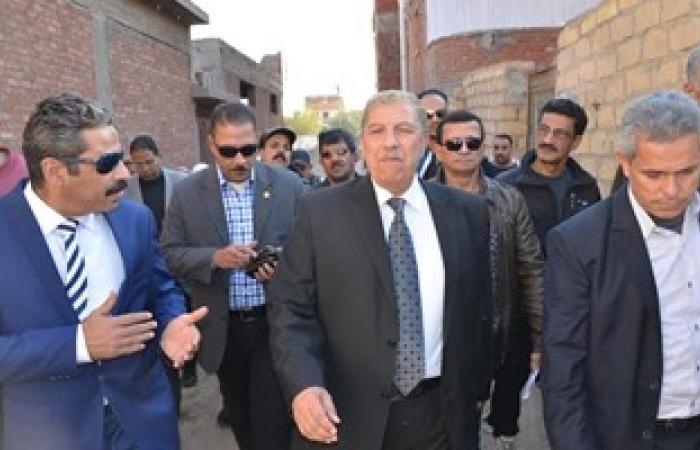 بالصور.. محافظ الإسماعيلية بعد التجديد له يتابع مشكلات الصرف الصحى