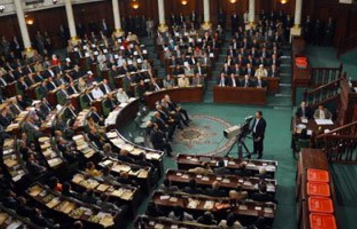 سياسى تونسى: من الصعب تمرير التعديل الوزارى الجديد فى البرلمان