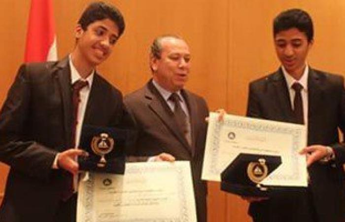 محافظ دمياط يكرم الطلاب النابغين الفائزين بمسابقة إنتل العالمية