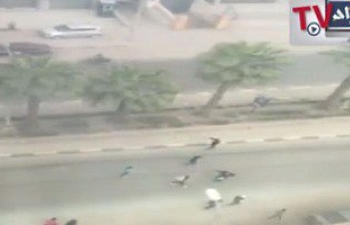 """بالفيديو.موقع""""انفراد"""" ينشر لحظة إطلاق النار على 40 سائحا أمام فندق بالهرم"""