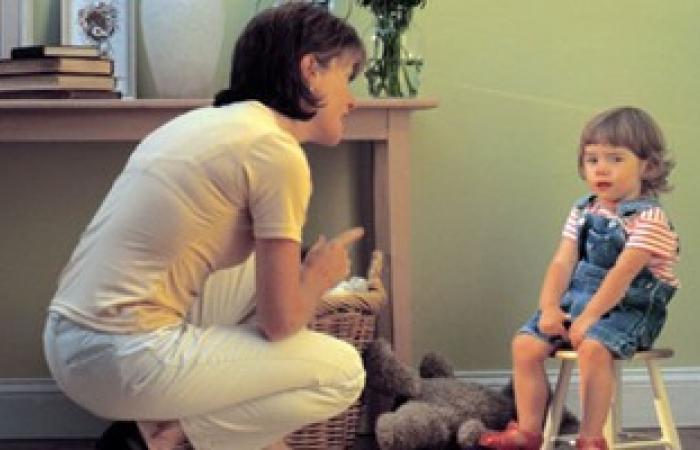 أخصائية نفسية تحذر: مش بس الضرب.. الصراخ فى وجه الطفل يسبب عقدا نفسية