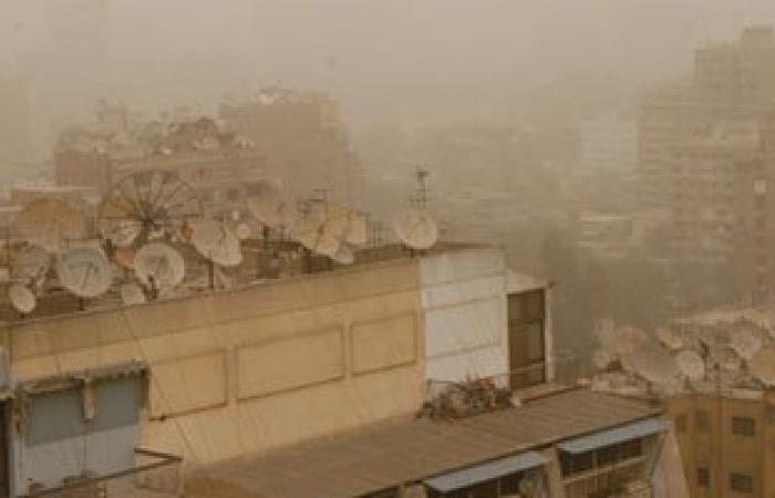إغلاق موانىء السويس الأربعة لانعدام الرؤية بسبب العاصفة الترابية