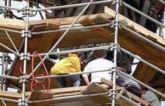 مصرع 3 عمال محارة سقطوا من الطابق العاشر بعقار تحت الإنشاء فى الإسكندرية